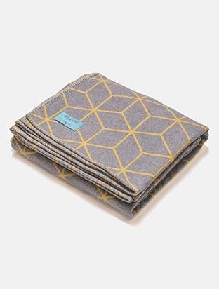 Geometric Recycled Cotton Blanket